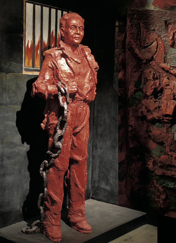 图为重庆历史名人馆内的谭祖尧雕塑重庆历史(4024403)-20200116174519.jpg